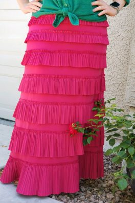 Pleated Eleganza Skirt ~ Pink