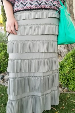 Pleated Eleganza Skirt ~ Gray